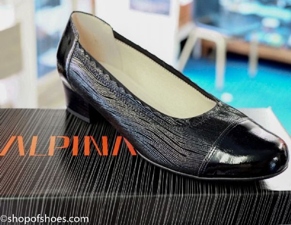Alpina Megan elegant textured leather low G fit court shoe. in Beige or Black